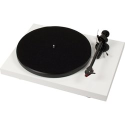 Pro-Ject Debut Carbon/2M Red